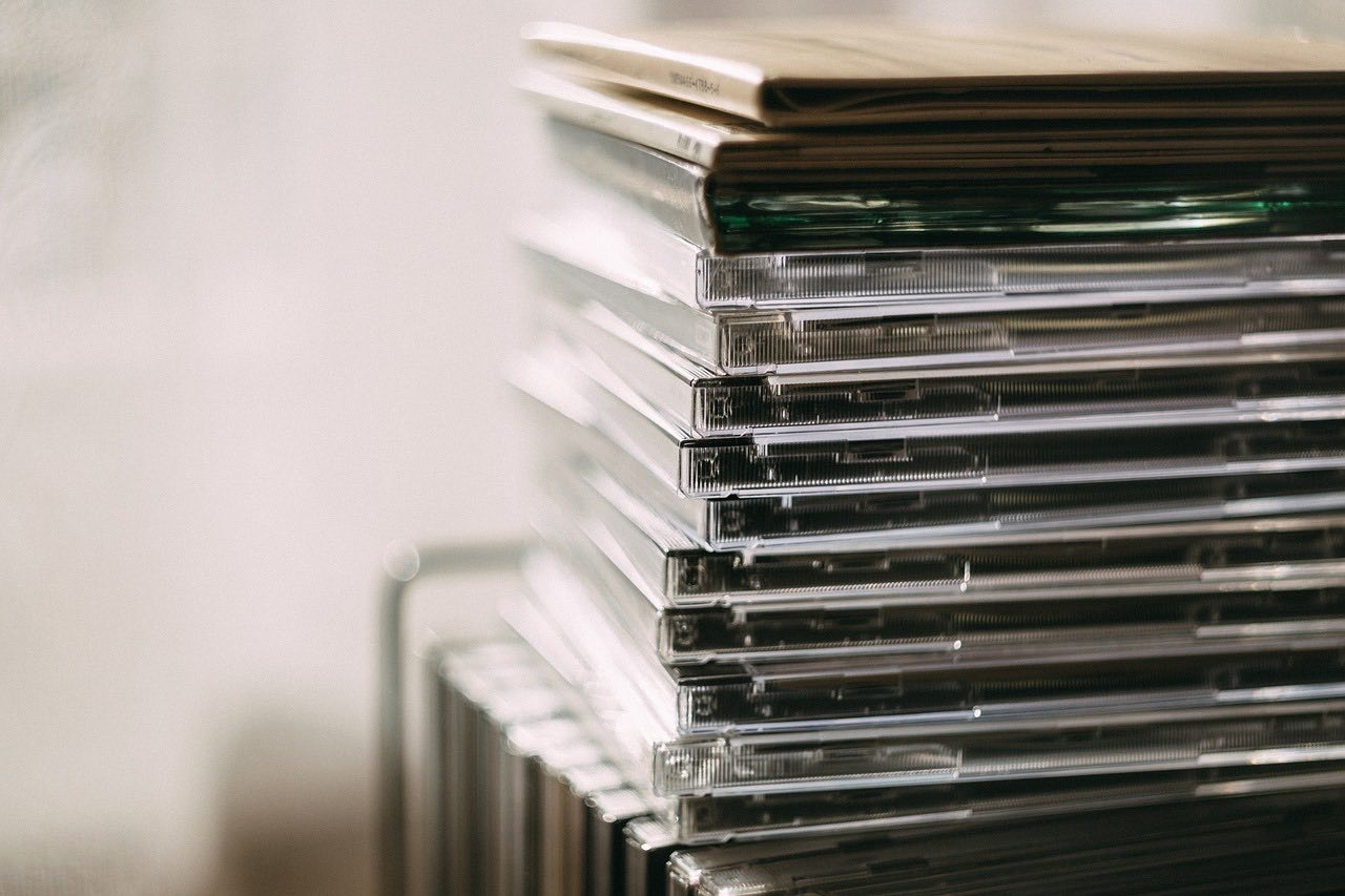 Sprzedaż własnych szkoleń na płytach